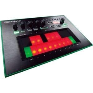 Roland TB-3 Syntheziser, digital synthesizer, analog synthesizer, novation summit, roland d-05, moog grandmother